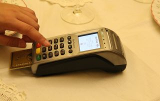 card-payment-1727353_1280a