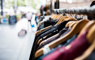 hanger_fashion_retail_market_thrift-181783